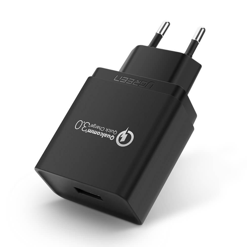 Ugreen Polnilec QC3.0 18W črn