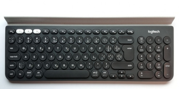 Logitech K780 Multi-Device Wireless siva/bela SLO gravura