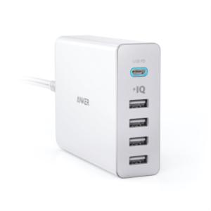 Anker PowerPort+ 5 60W 1 x USB-C (PD), 4 x PowerIQ namizni polnilec bel